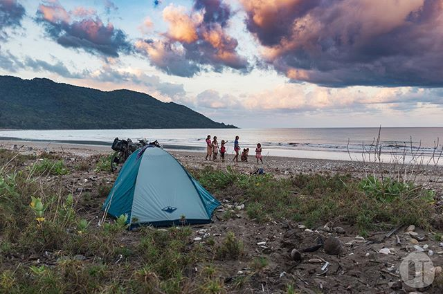 Flashback to one of our favourite campsites in Timor. It had everything you could possibly want after a tough day on the bike: Beach views ☑️ Cold beer ☑️ Friendly vibes ☑️ 🇹🇱 August 2018 . . . . #timor #timorleste #easttimor #timorlorosae #turismotimorleste #beautifulcountry #bikepacking #bikepackinglife #bikewander #bicycletouring #biketouring #nobaddays #outsideisfree #fromwhereiride #worldbybike #trailslikethese #adventurebybike #adventurecycling #thegreatoutdoors  #packlighttravelfar #gravelgrind #insearchofup #makebikeportraits #whyiride #rideyourbike #packlighttravelfar #cyclingculture #flytheaspidistra