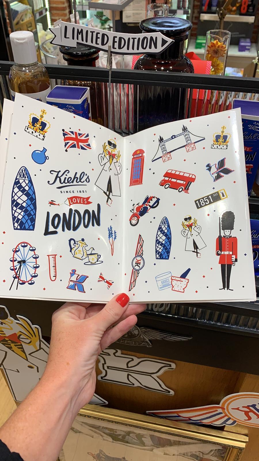 KIEHLS LOVES LONDON - Sticker Book