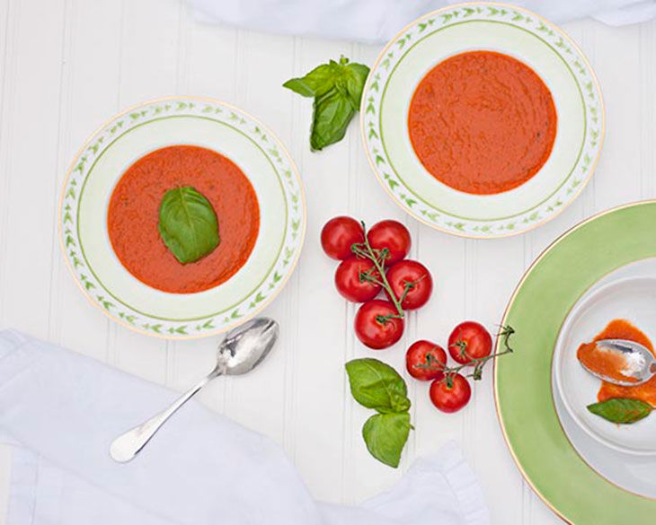 Bites & Sights easy tomato soup - feature