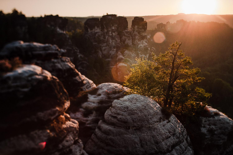 Sonnenaufgang am Elbsandsteingebirge