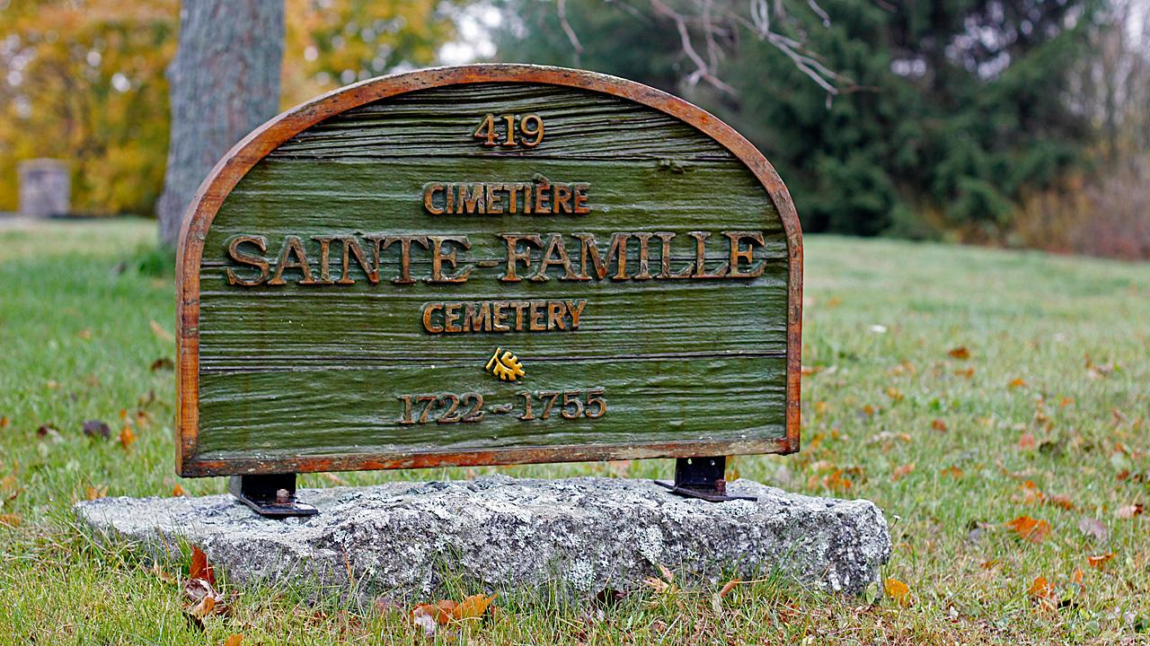 02_Falmouth_Cemetery_Sign.jpg