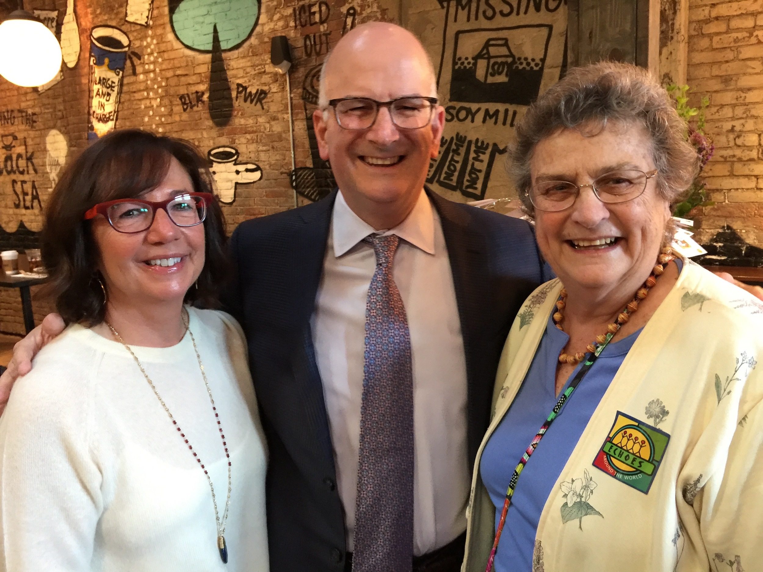 Congratulations to our 2015 Call to Care Honoree Kevin Mahoney, shown here with his wife, Pam, and ECHOES co-founder Nereida Gordon.