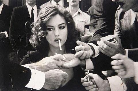 beautiful-black-and-white-cigarette-classy-lady-Favim.com-119328_large.jpg