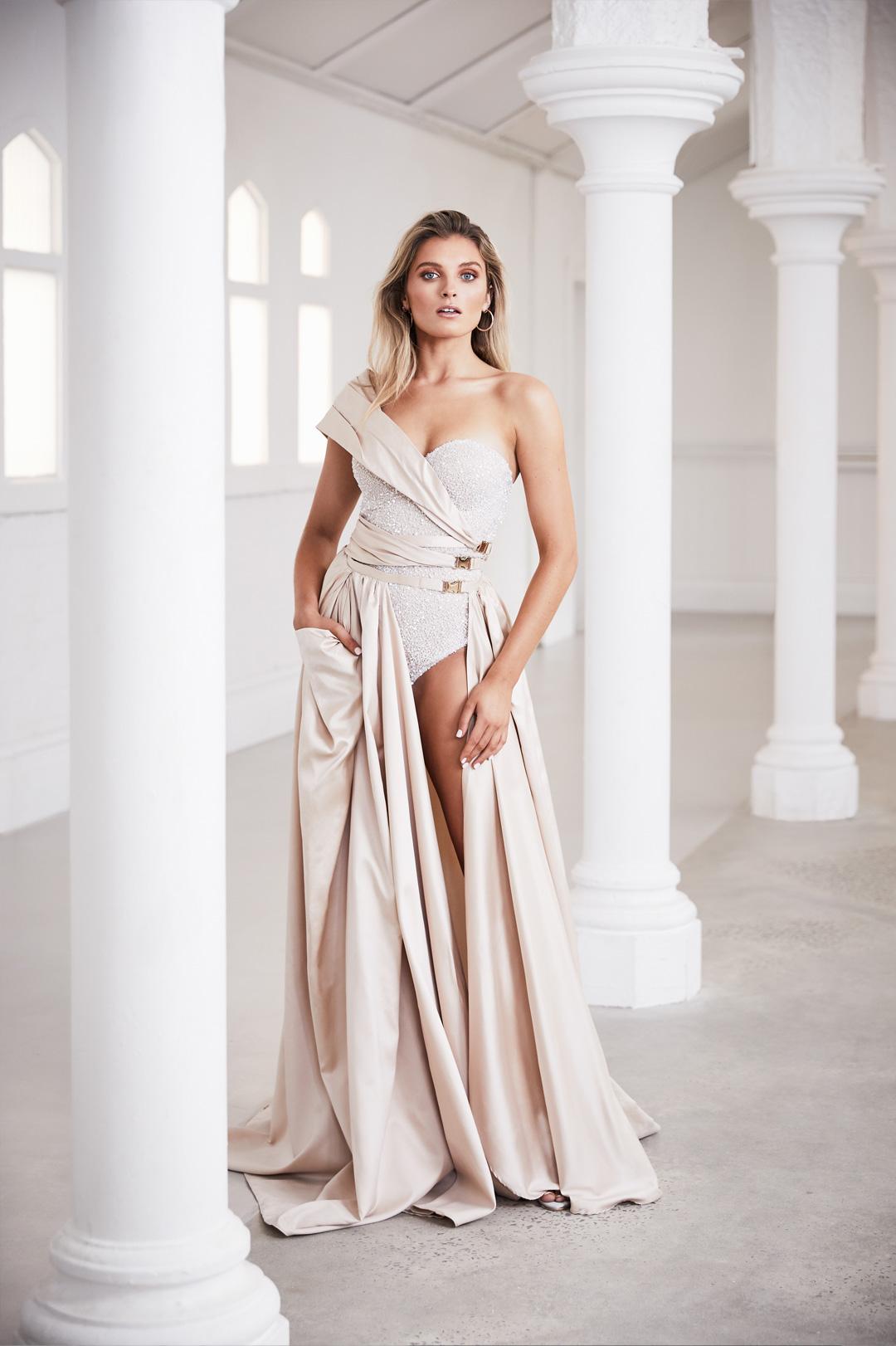 Deborah-Selleck-Couture-portrait-front-tribute-to-versace.jpg