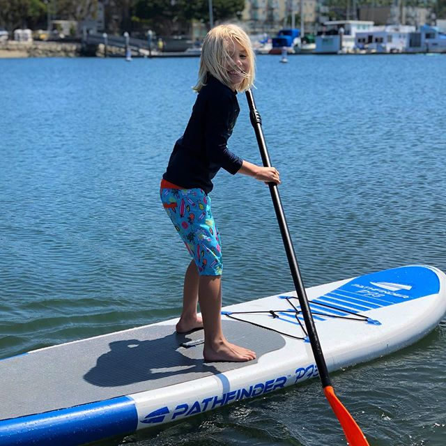 We, the Arakis, are not a SUP kinda family, but Axel wanted to practice how to handle bigger boards on dirty water.