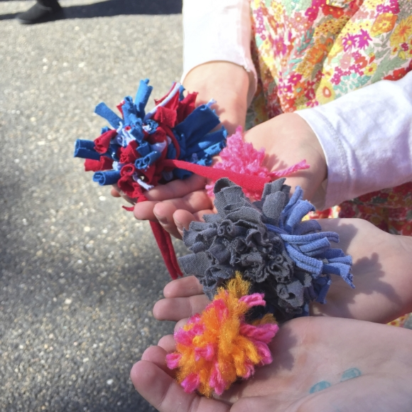 Sew You Studio | Making Pom Poms at the Horseshoe Fall Market