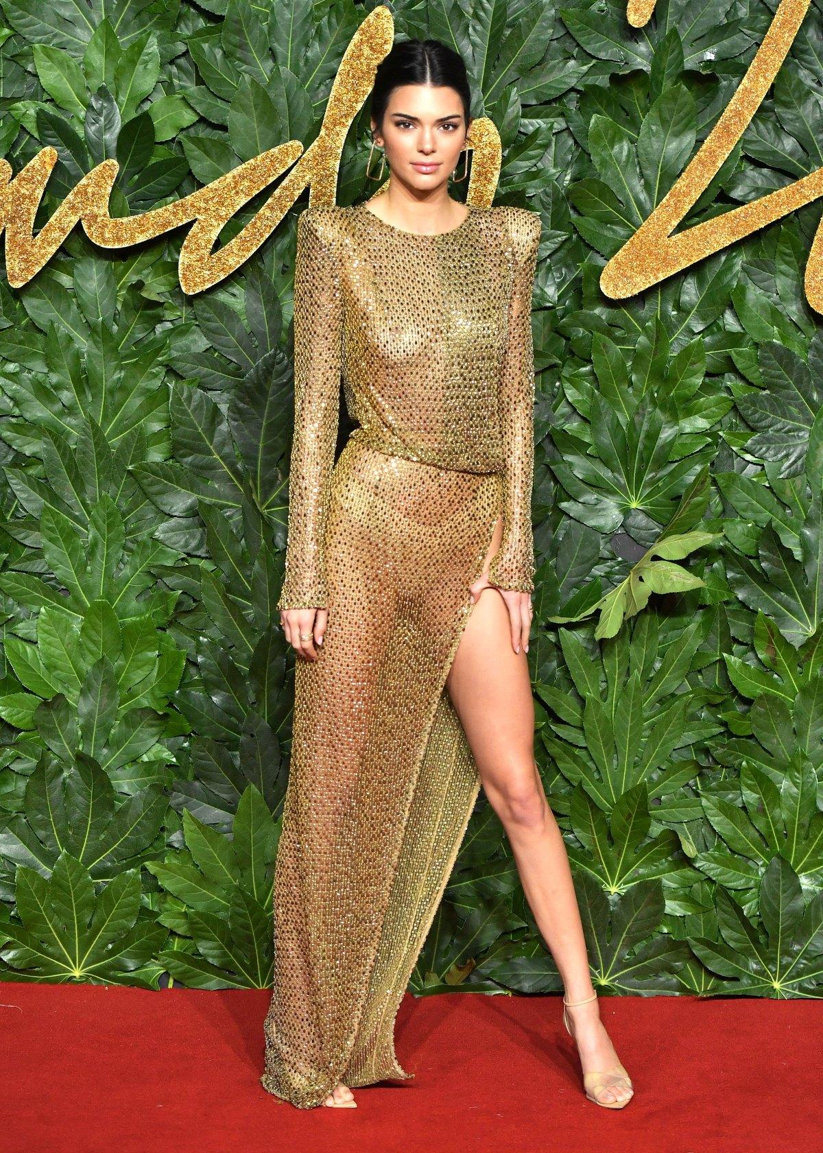 BRITISH FASHION AWARDS 2018 - Kendall Jenner in Julien McDonald Styled by Marni Senofonte