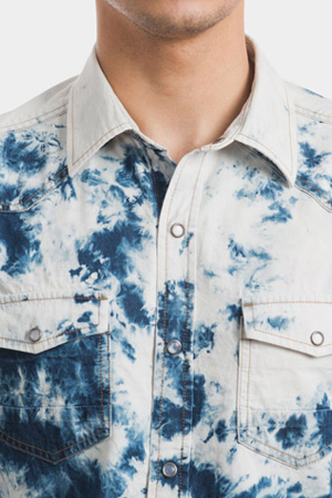Denim and splash. This shirt style is for those who take their style to the edge. Risk-takers armor.