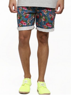 Wear this hula girl woven shorts at the beach or at the pool party, wear with a  pair of canvas sneakers.