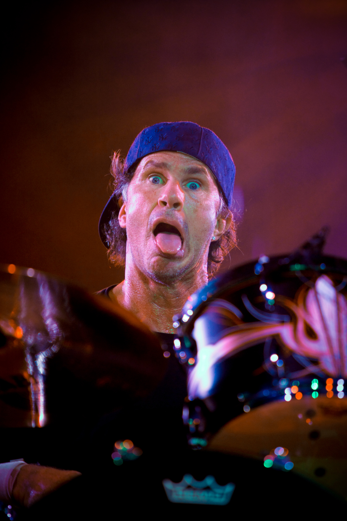 Chad Smith performing live