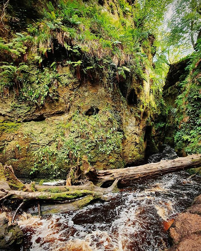 Weekend adventure to The Devils Pulpit