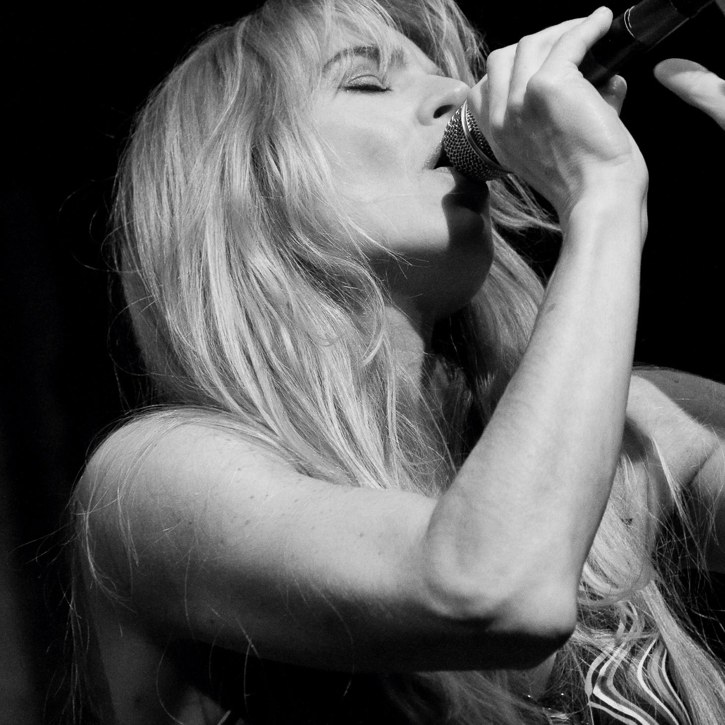 http://www.carmengomes.com/ : 1 oktober, 26 november en 17 december. Op vrijdag 3 november is er een speciale uitvoering ivm haar nieuwe cd.