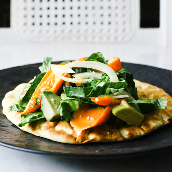 FLATBREAD PIZZAS WITH ROASTED CARROTS AND AVOCADO