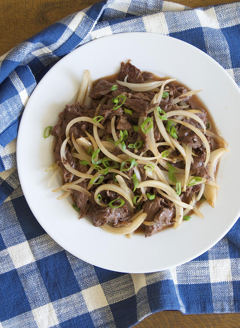 金宝搏app用热锅和中国的奶酪和汉堡的味道