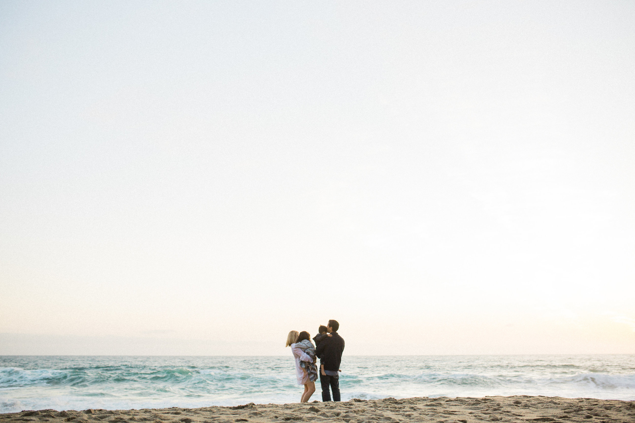 ruiz-family_laguna_los-angeles-beach-family-photography-196.jpg