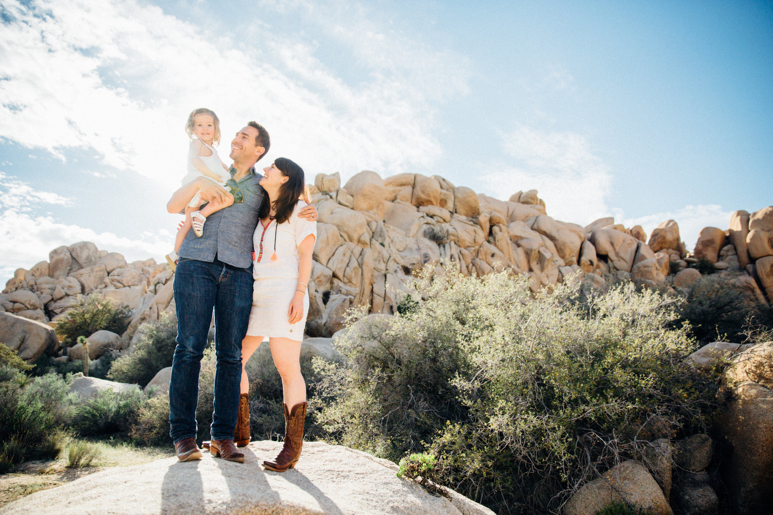 joshua-tree_california_family-session_nicki-sebastian-photography-12.jpg