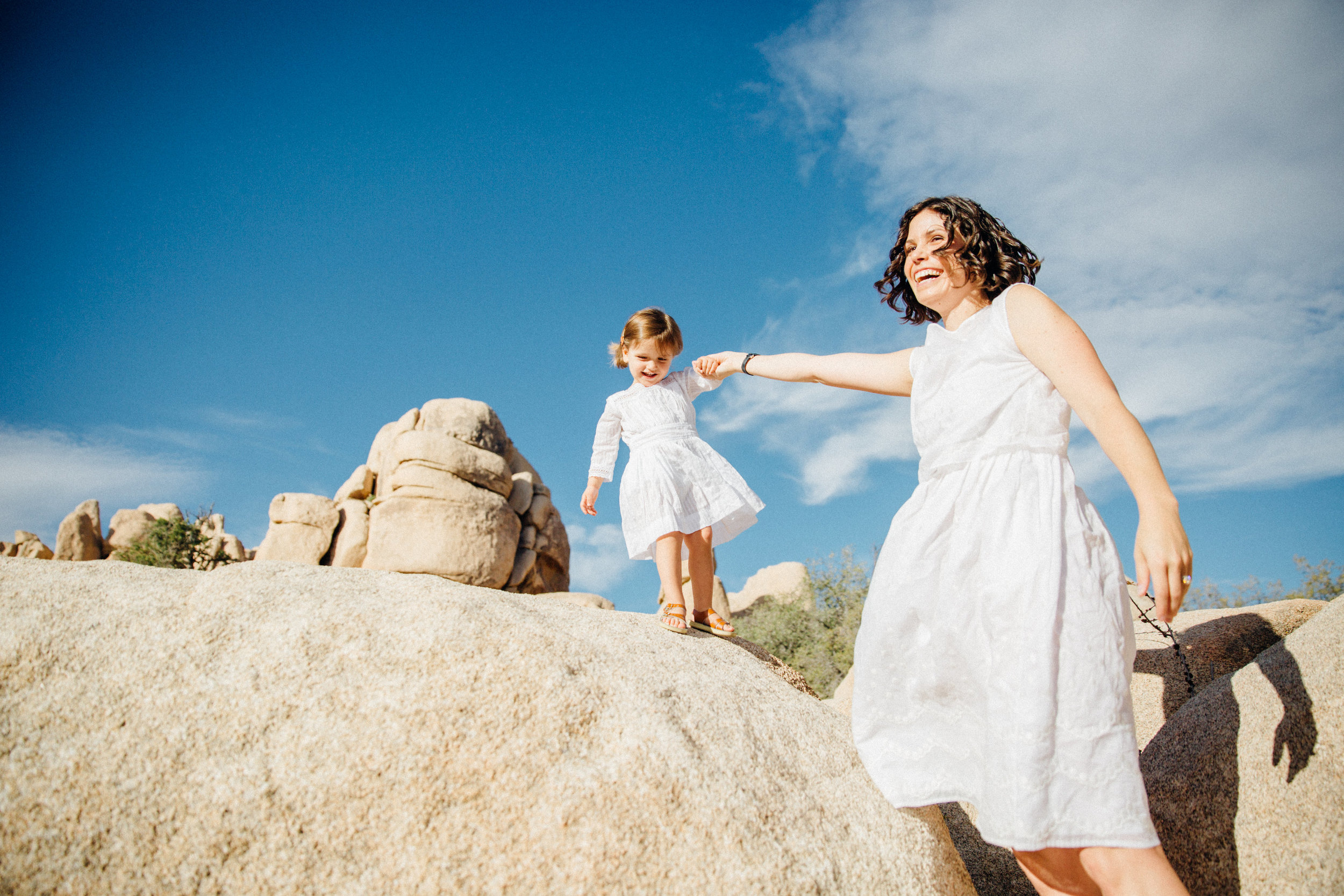 joshua-tree_california_family-session_nicki-sebastian-photography-17.jpg