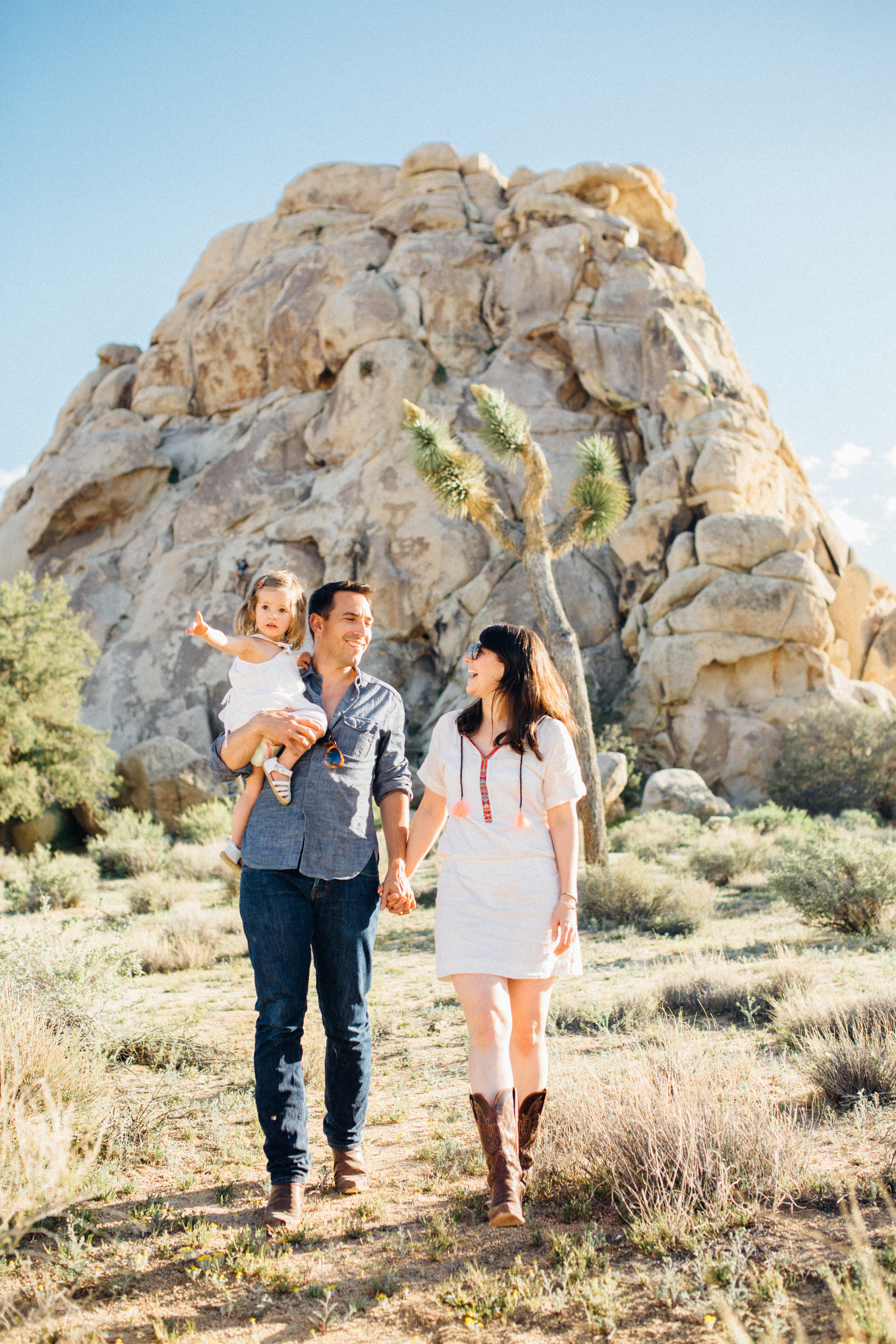 joshua-tree_california_family-session_nicki-sebastian-photography-67.jpg