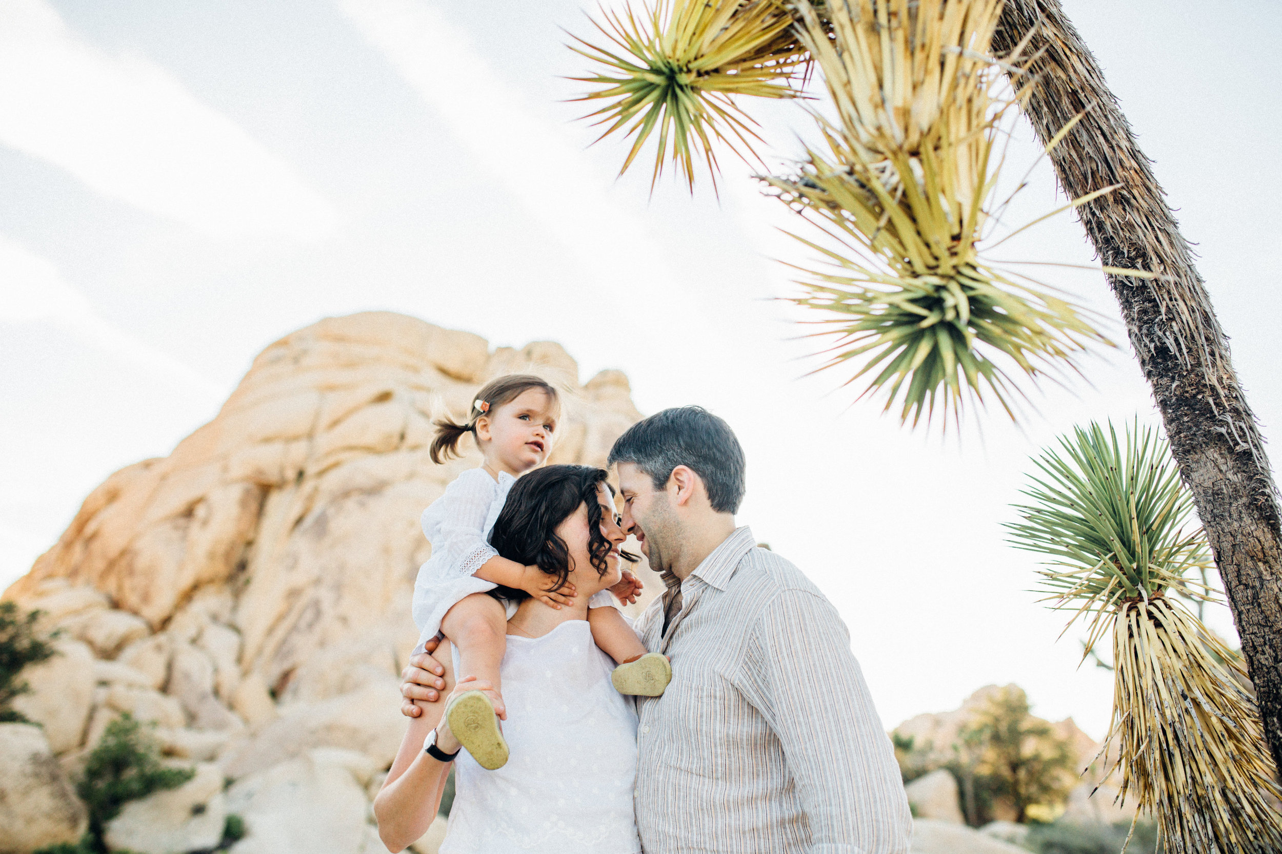 joshua-tree_california_family-session_nicki-sebastian-photography-163.jpg