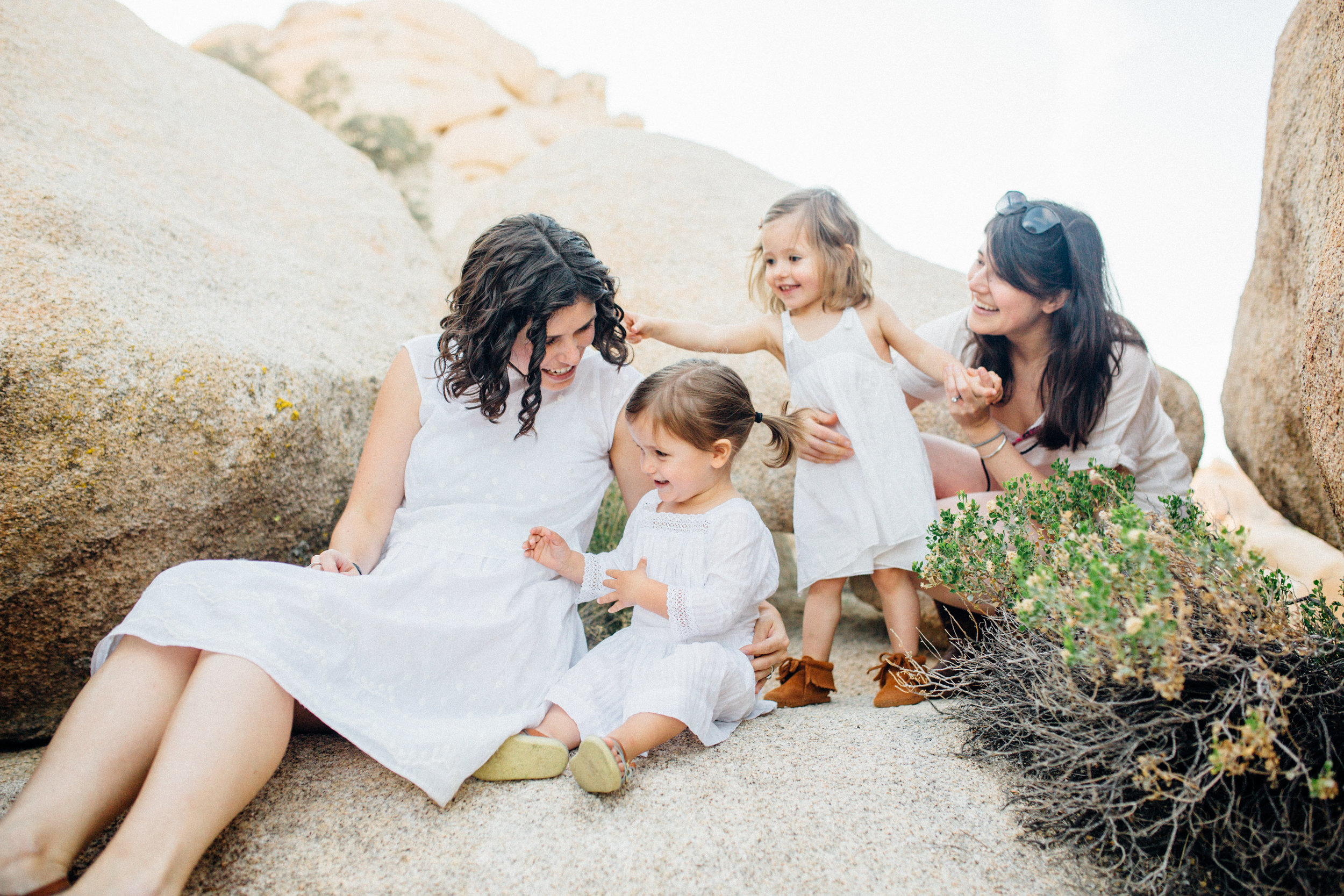joshua-tree_california_family-session_nicki-sebastian-photography-192 (1).jpg