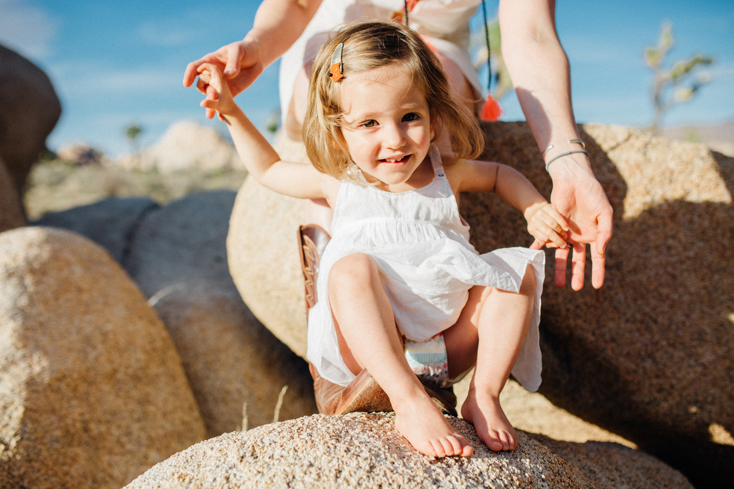 joshua-tree_california_family-session_nicki-sebastian-photography-93.jpg