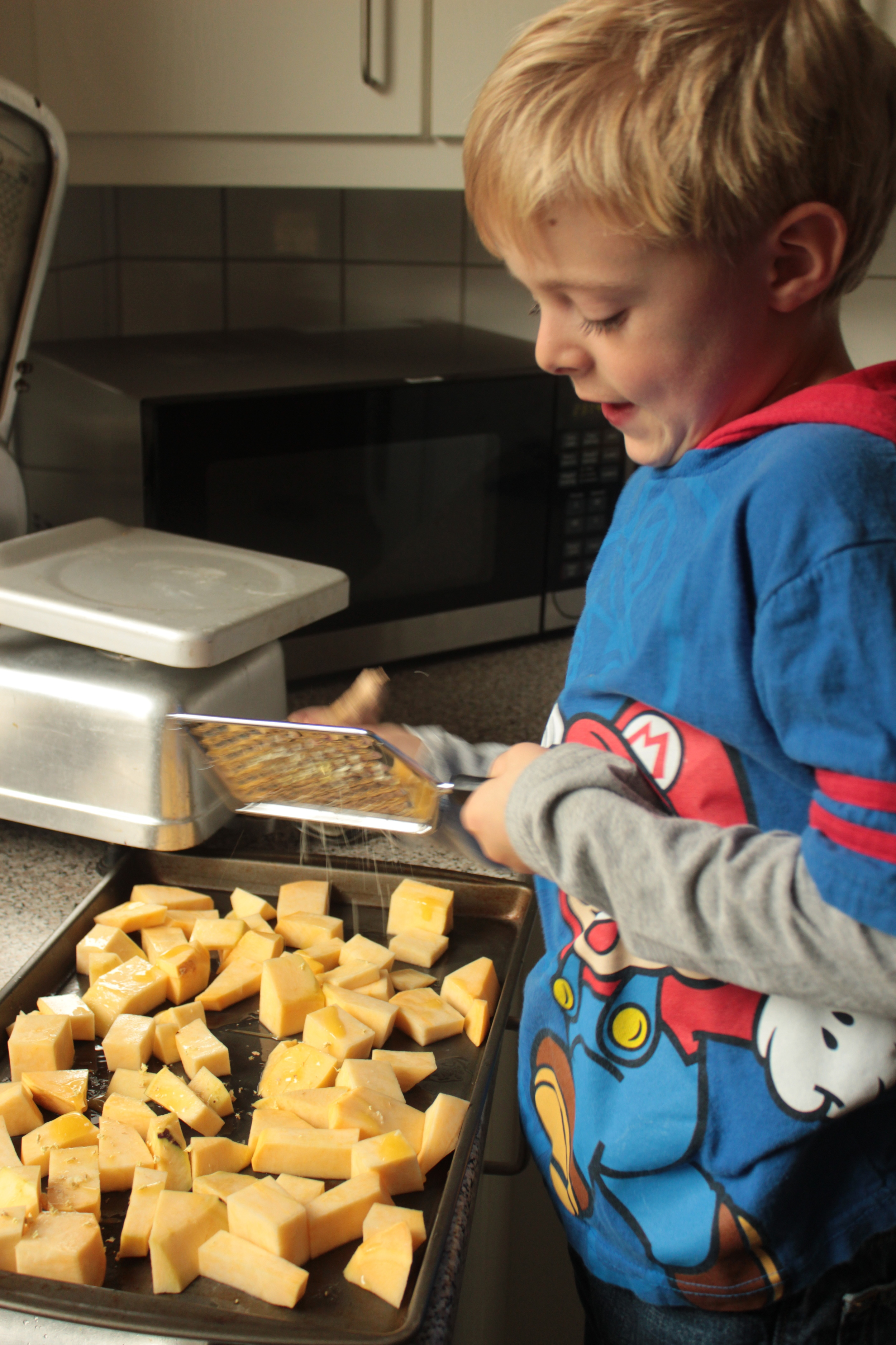 Grating the ginger