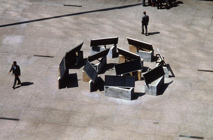 Spiral Crown, 1982