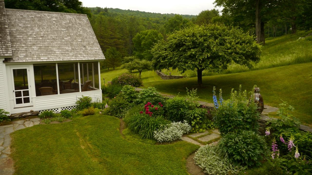 Abrams main garden 2014.jpeg