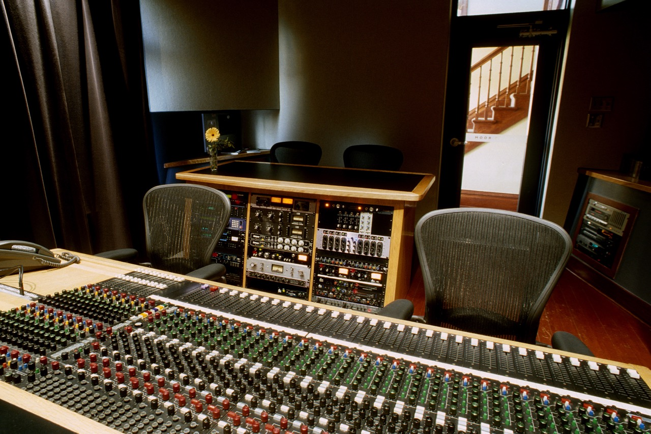 control_room_behind_console_1.jpg