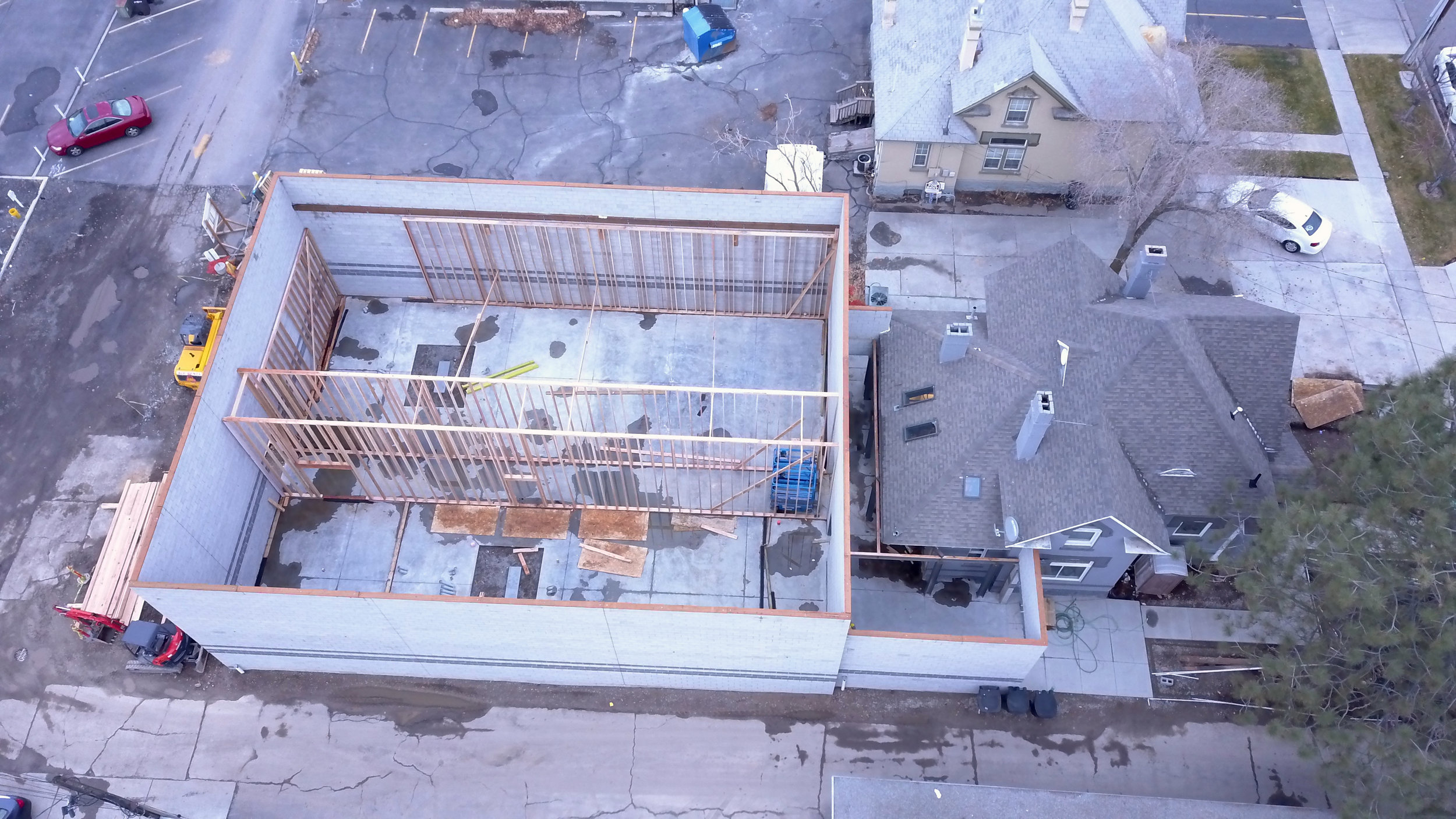 Ariel shot showing the framing that has been done so far. So much road still ahead of us, but tomorrow morning trusses show up and in a week or so we should have this place dried in.