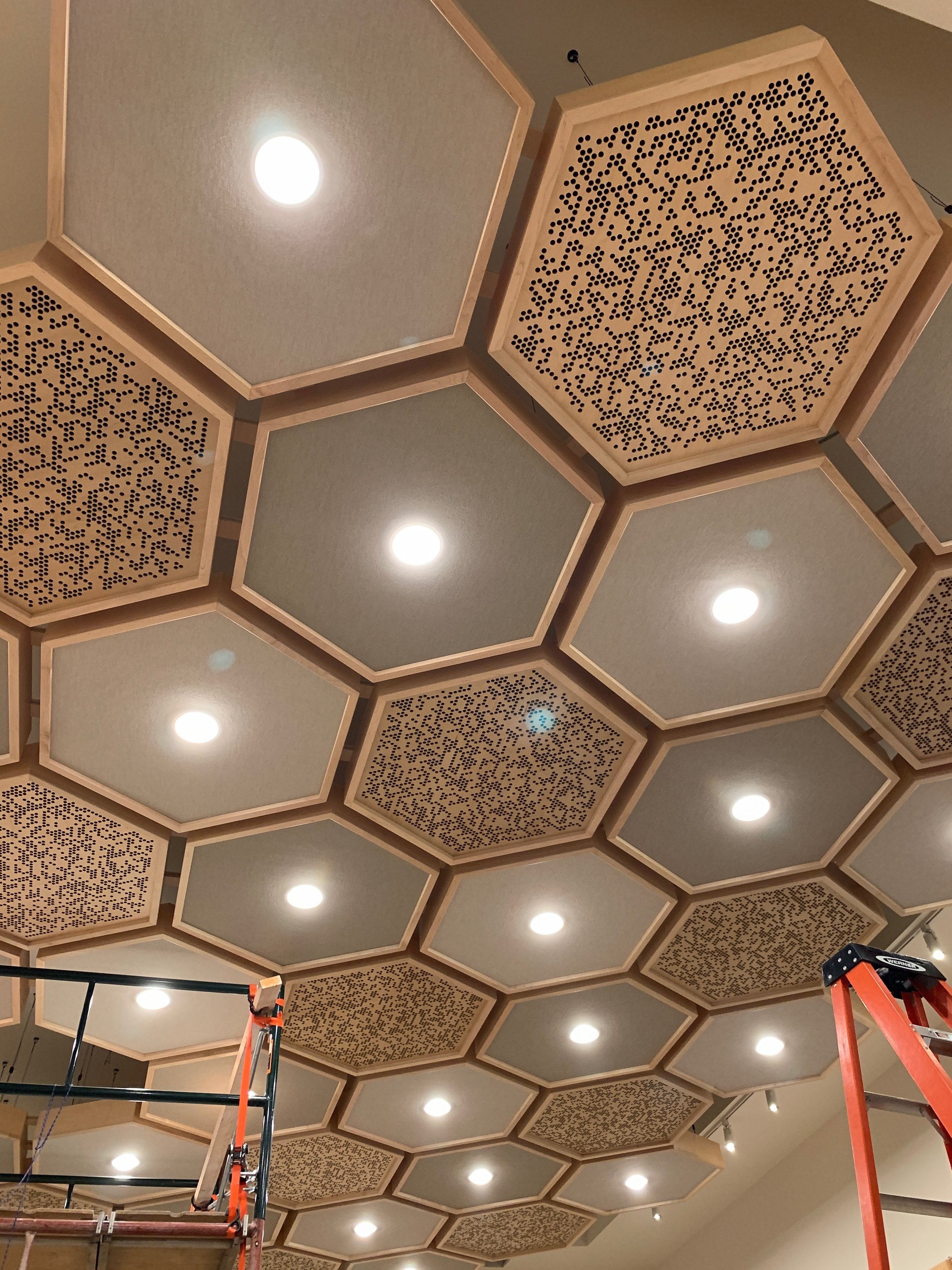 The lights in the cloud really brought it to life, this design is all Wes Lachot's so I certainly take no credit for it. It is stunning when you are standing beneath it.