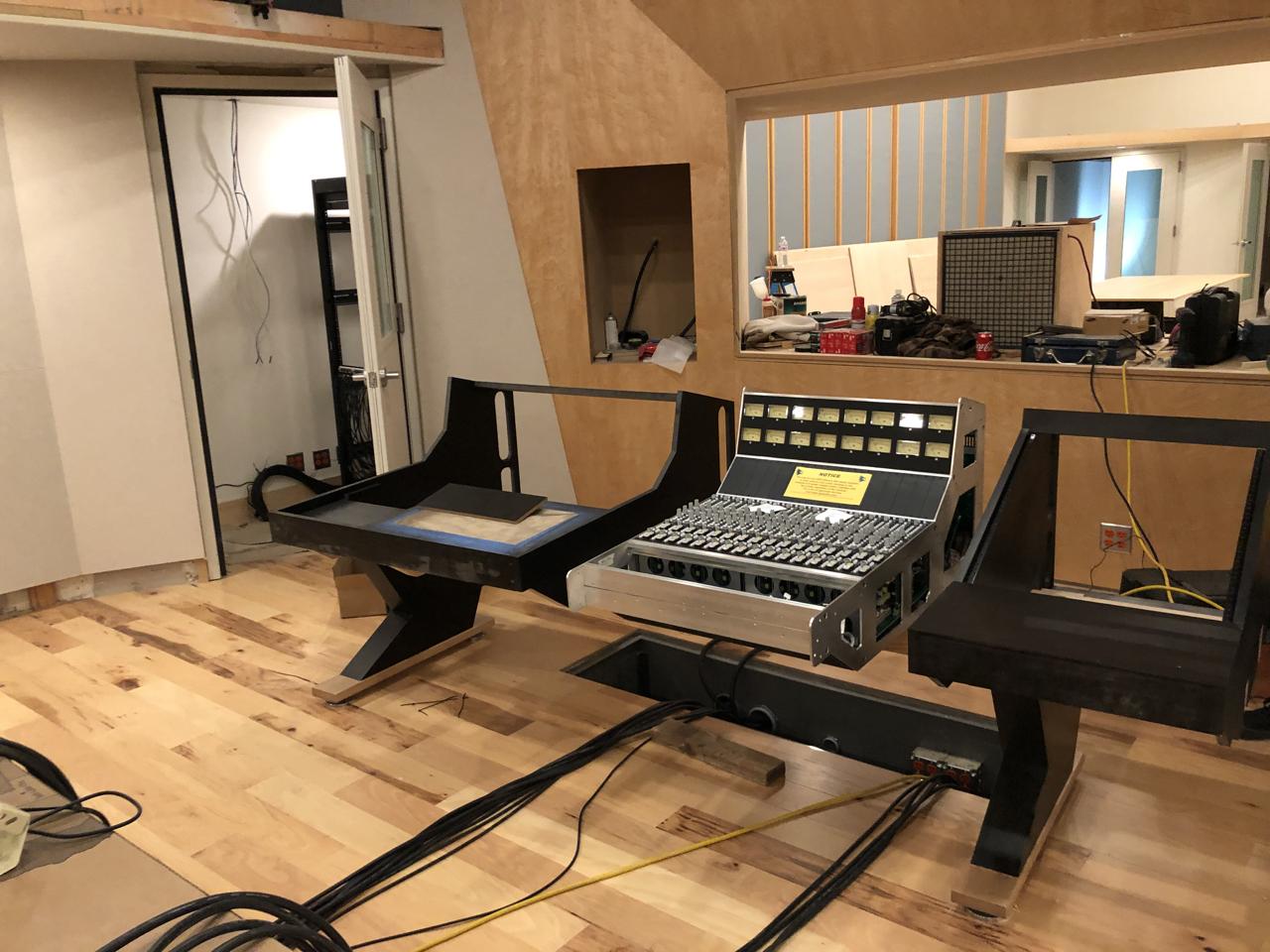 Setting the custom made desk for the 2448.