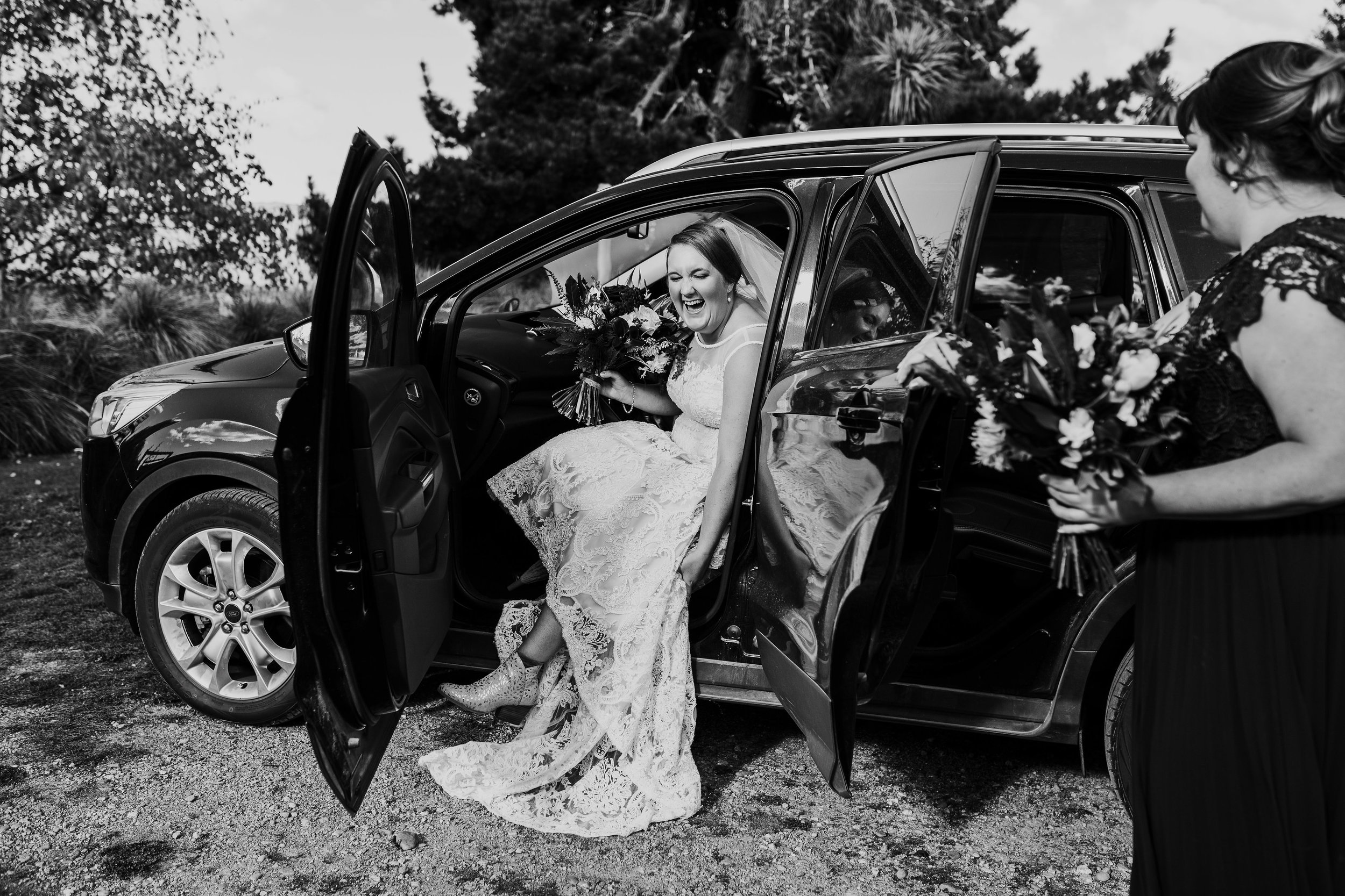Jess&TroyMonochrome-287.jpg
