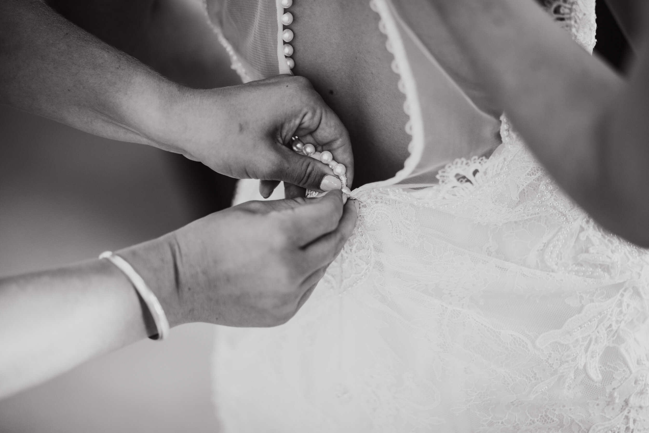 H&RWeddingMonochrome-134.jpg