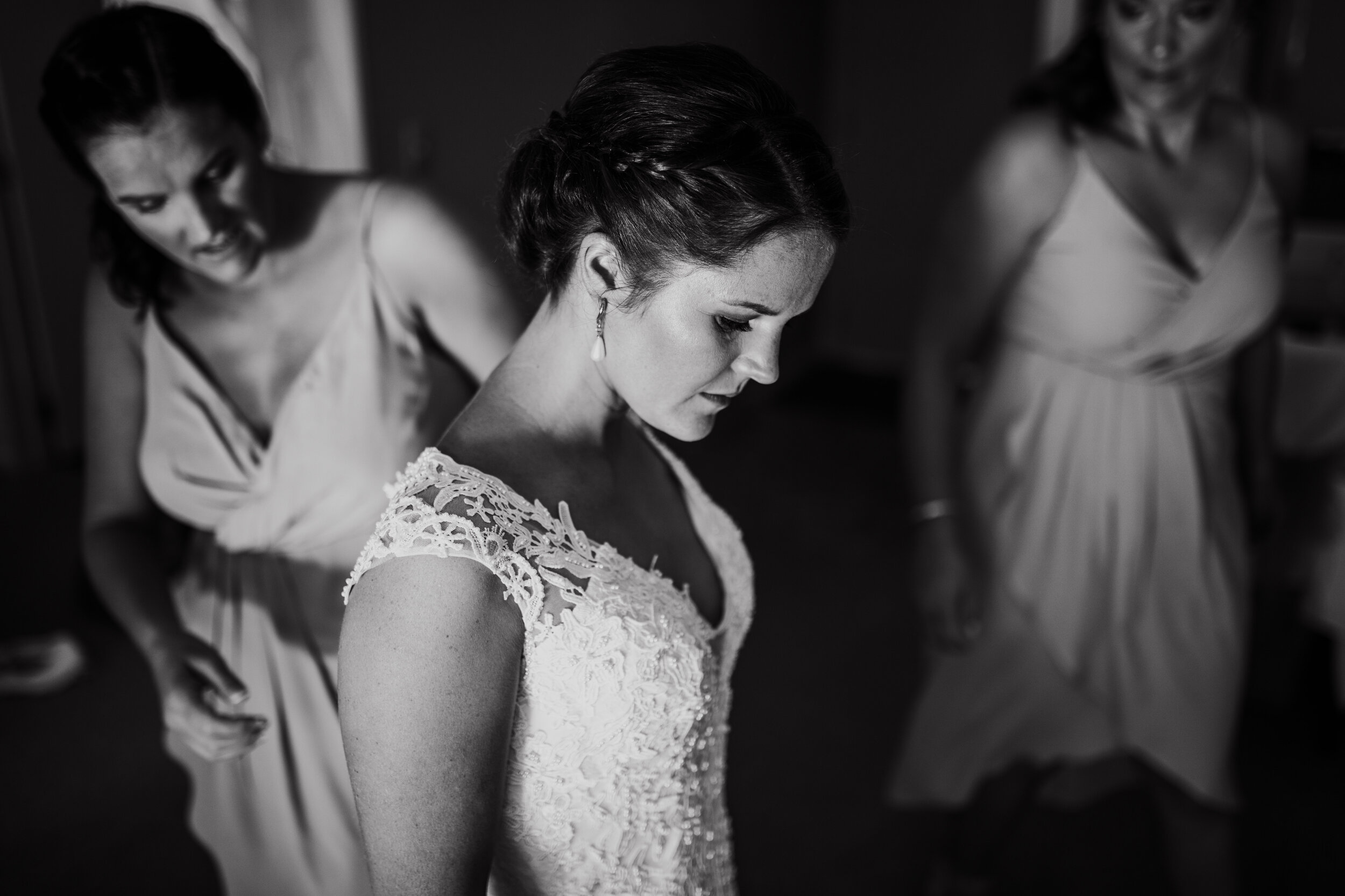 H&RWeddingMonochrome-137.jpg
