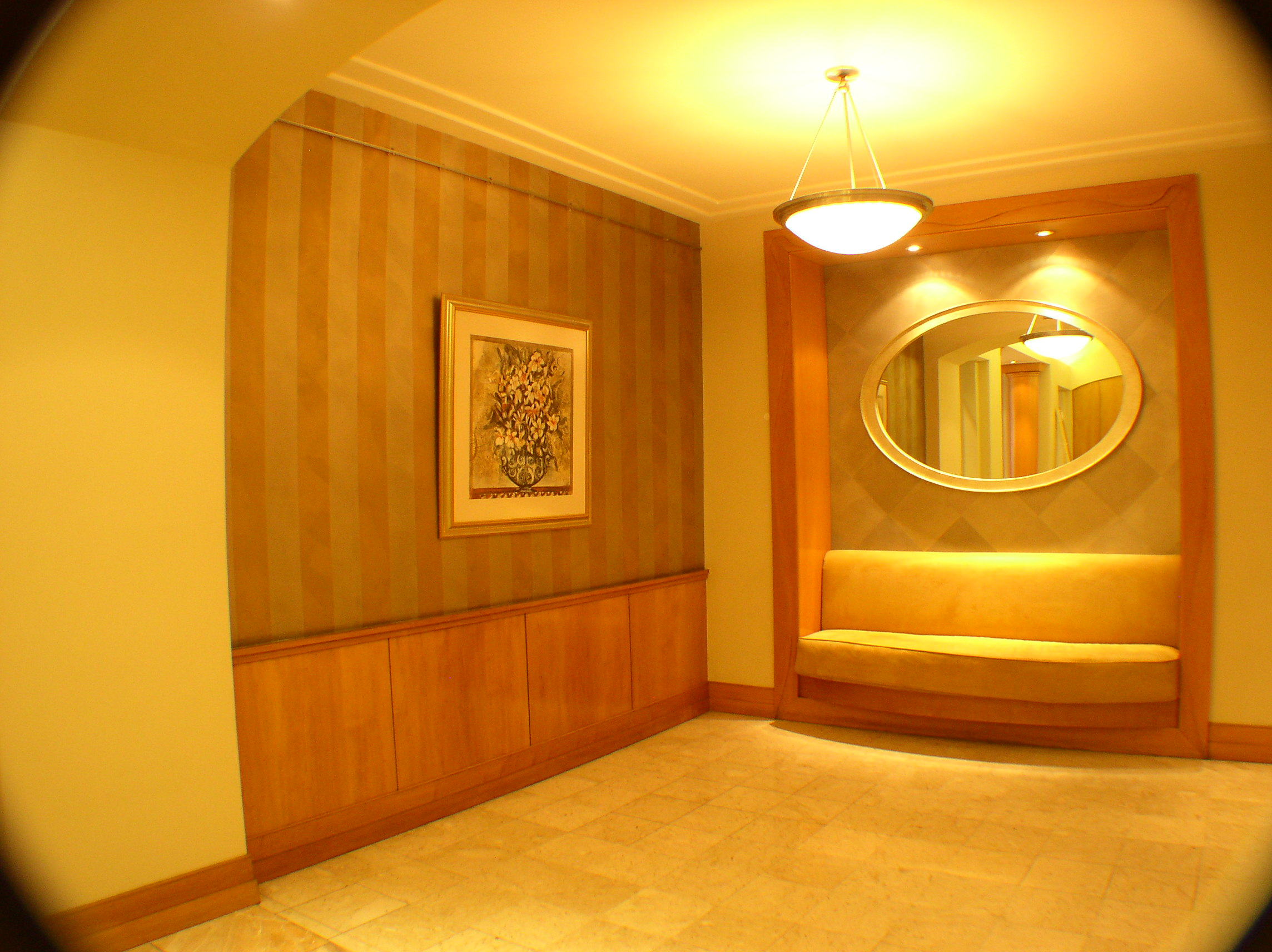 Lobby 023.jpg