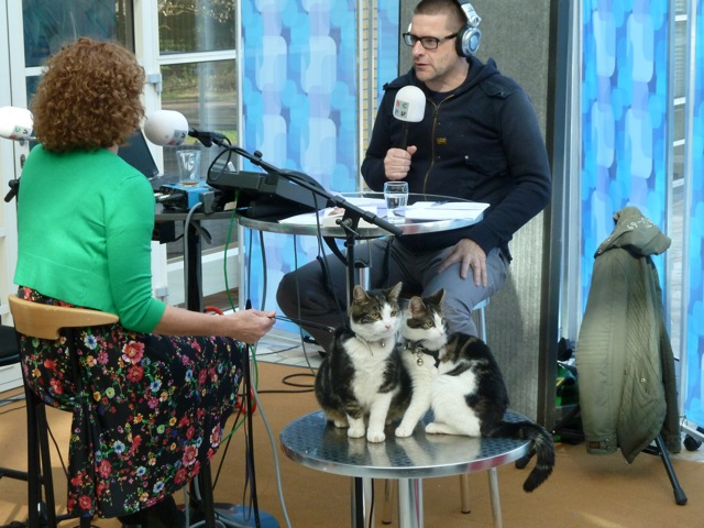 Zaterdag 20 april werd Sabine geïnterviewd door Jurgen van den Berg in het radioprogramma ' Cappuccino '  De aanleiding was het boek ' Jaap, topmodel ' dat Saskia Smith heeft geschreven over haar werk met dieren!