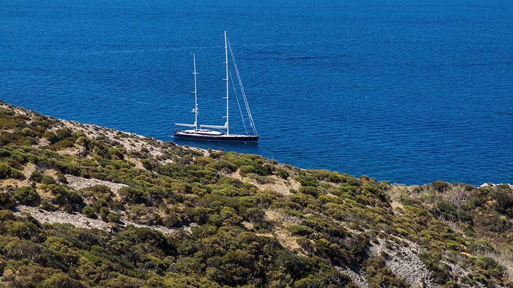 002 | PONZA TO PALERMO  | 1O DAYS | ITALY | GUIDE  A JOURNEY GUIDE TO SUMMER SAILING DOWN THE WEST ITALIAN COAST.