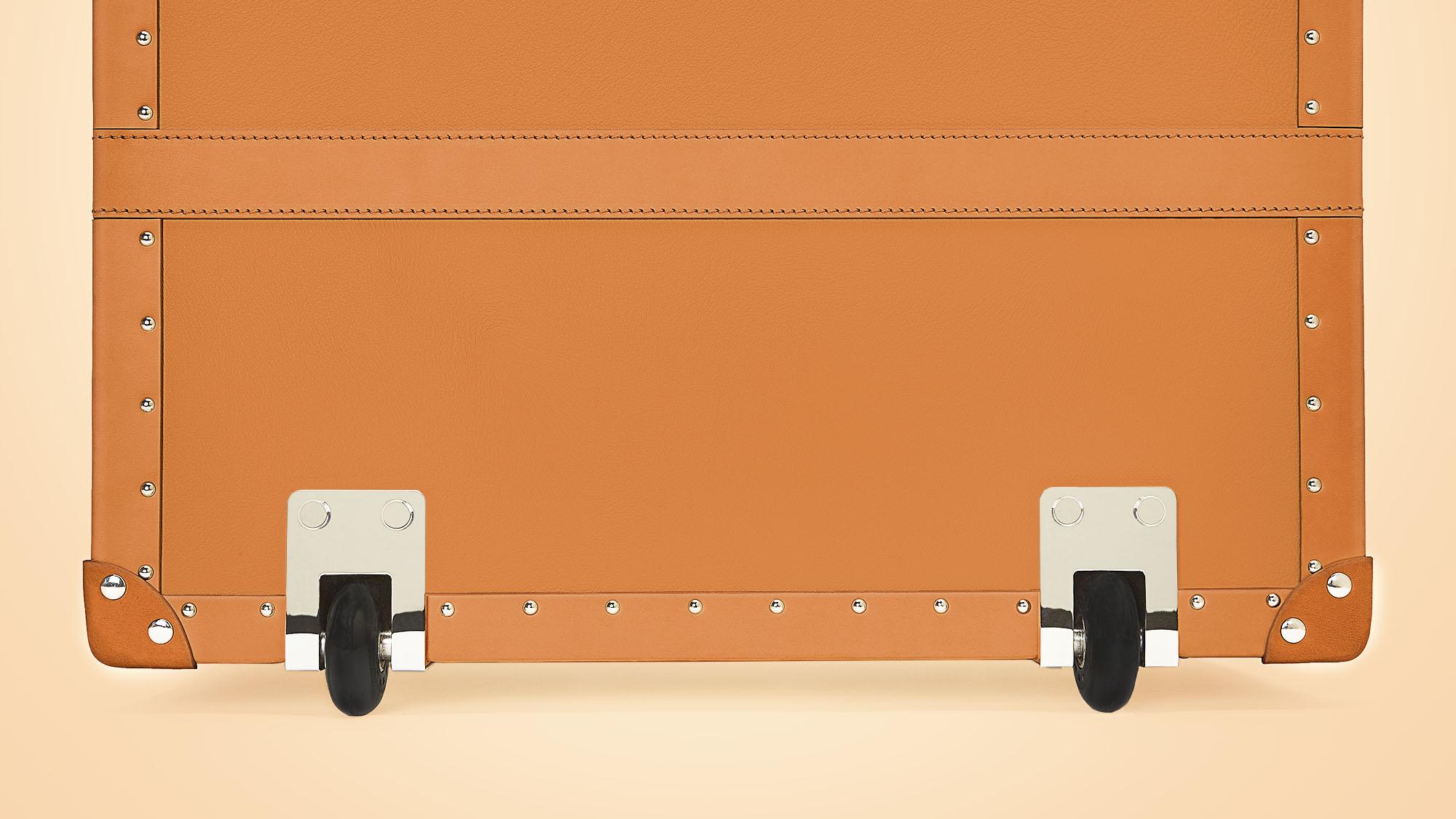 Trunk-2-Large-Wheels.jpg