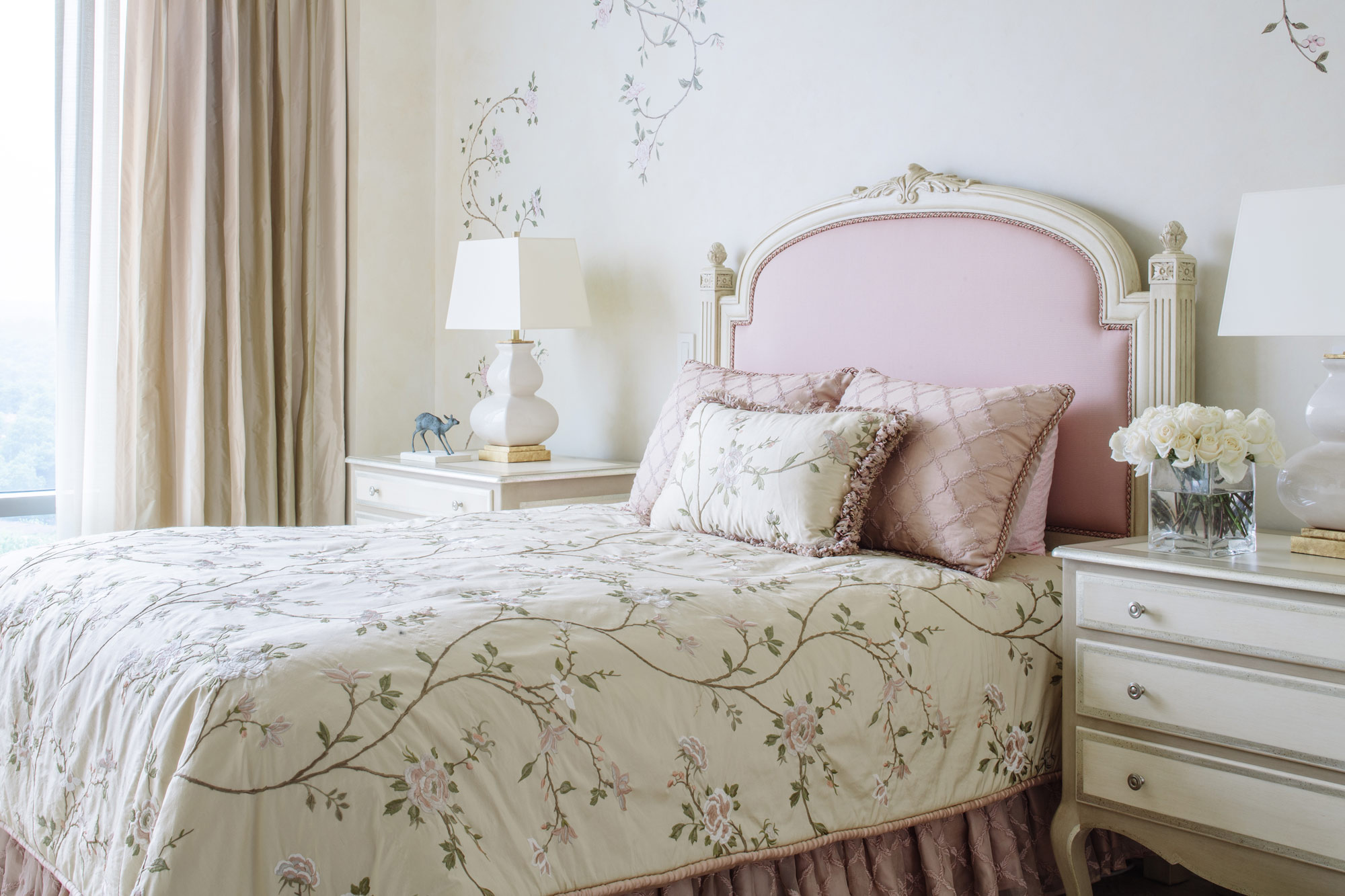 Victoria+Sanchez+Washington+Interior+Designer+floral-bedroom.jpg
