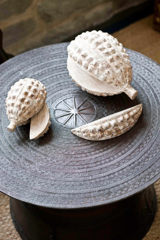 durian-on-plate-sculpture.jpg