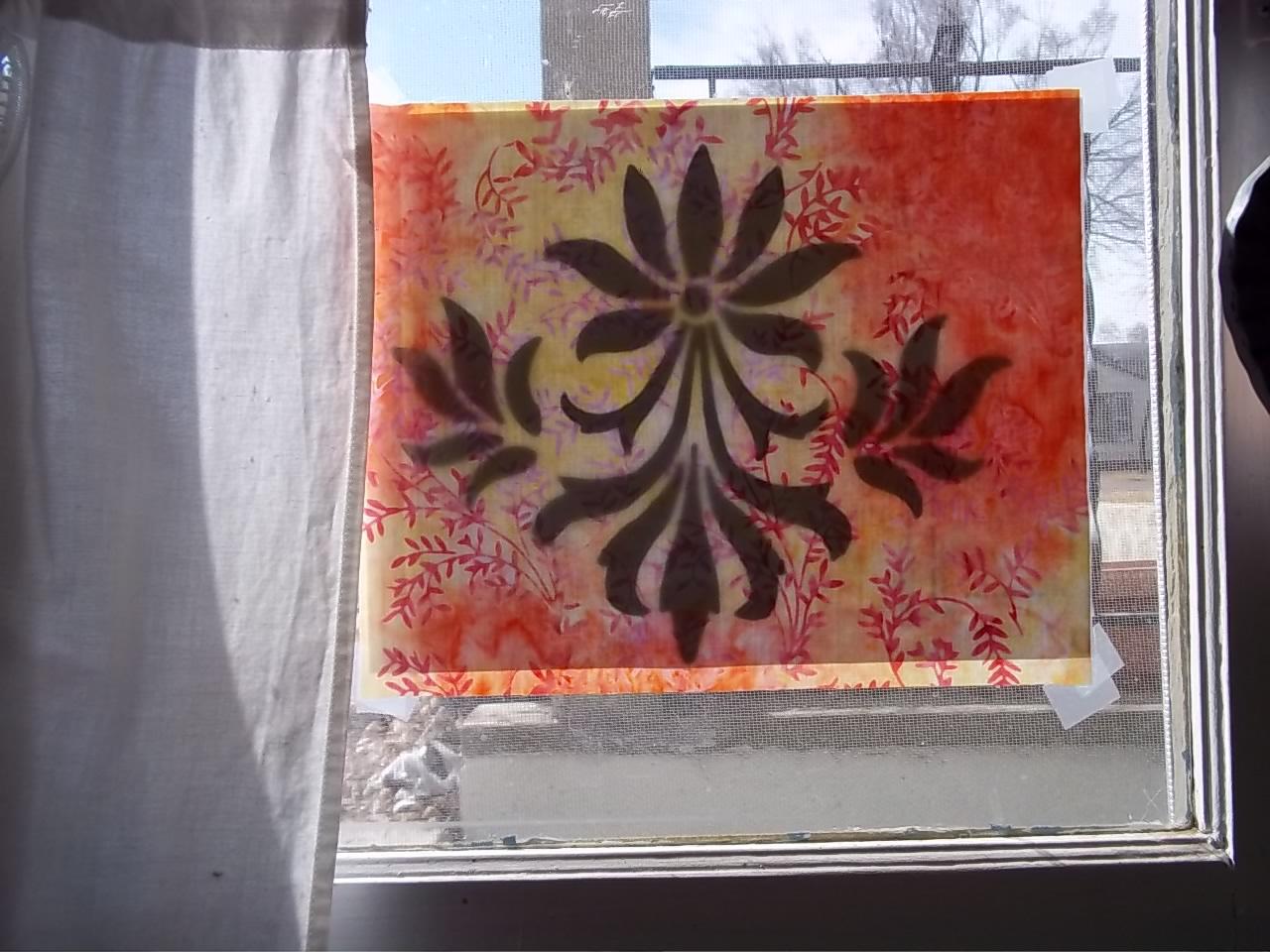 Fleur de Lis  pattern being traced.