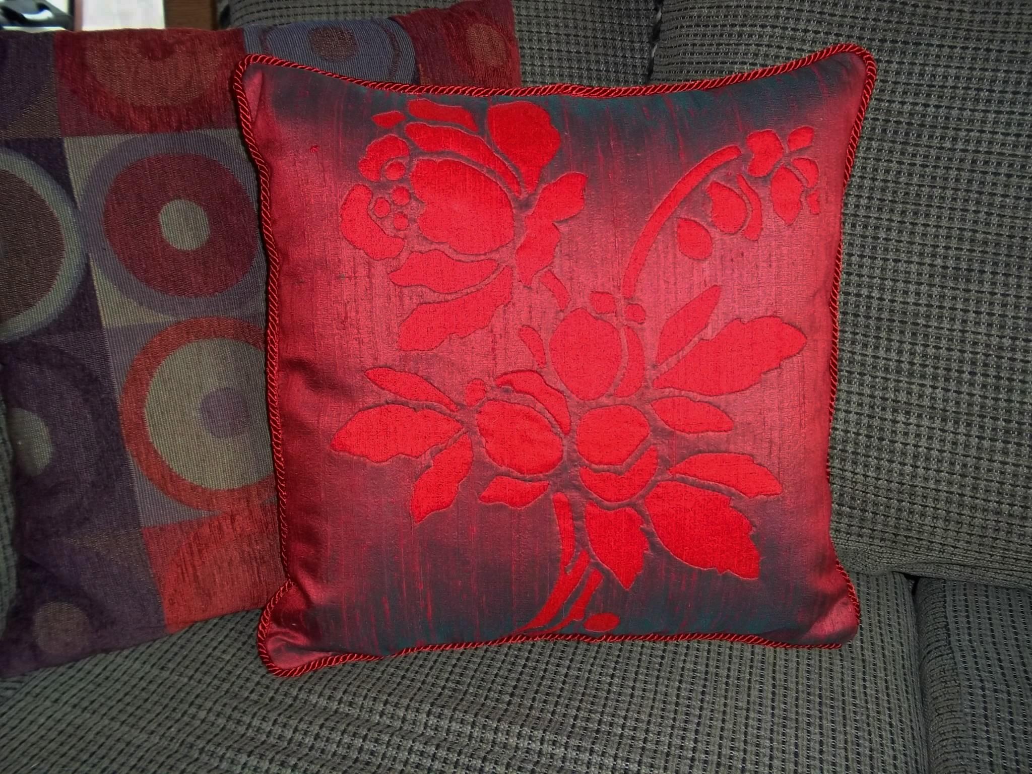 Rose   pillow in Dupioni silk.