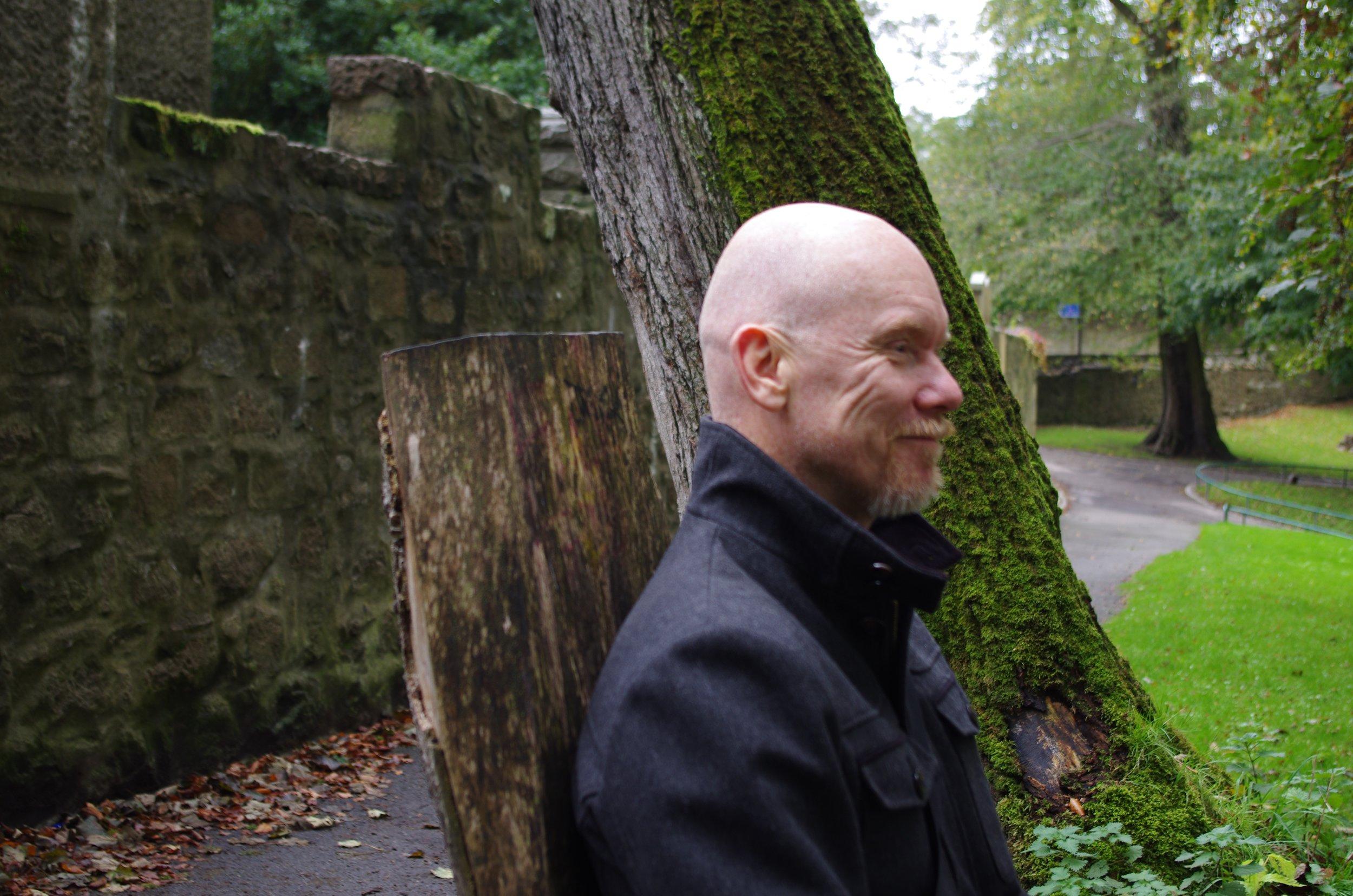 Peter Jacobsson      Legitimerad psykolog, legitimerad psykoterapeut, klinisk vårdutvecklare och doktorand vid neurovetenskapliga institutionen, Sahlgrenska akademin. Arbetar kliniskt i Psykiatrin Halland bl a med uppdrag att arbeta med    psykiska besvär hos vårdgivare   . Handledare,  utbildare  och mentor för vårdgivare inom somatisk och psykiatrisk vård. Kursledare i mindfulnessbaserad kognitiv terapi (MBKT) sedan 2007. Kursledare i    Mindful Practice sedan 2012    för att stärka kollegors inre hållbarhet.