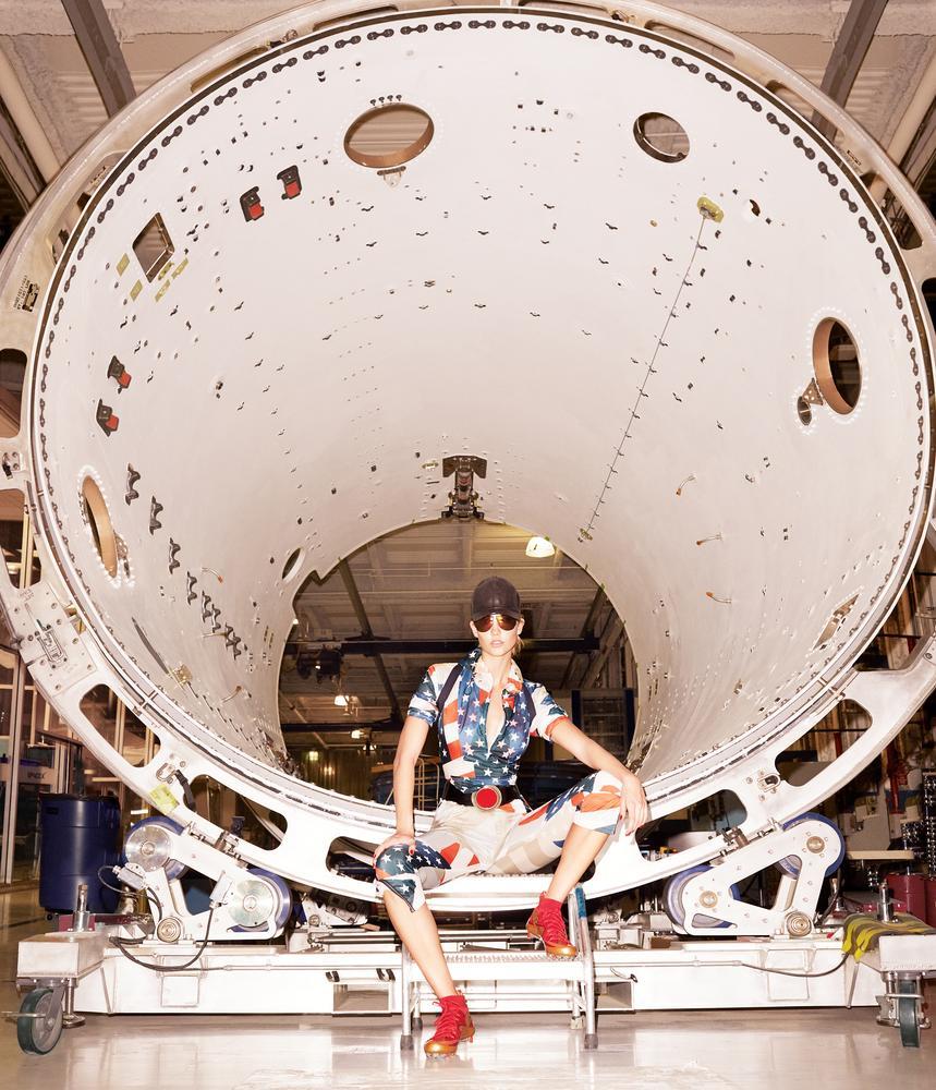 Karlie-Kloss-SpaceX-WSJ-3.jpg
