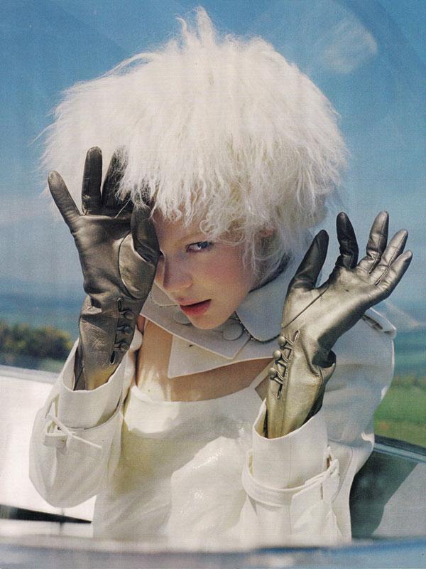 Tim Walker-October-2012- Vogue UK–The Lady Who Fell to Earth-Kinga Rajzak-7.jpg
