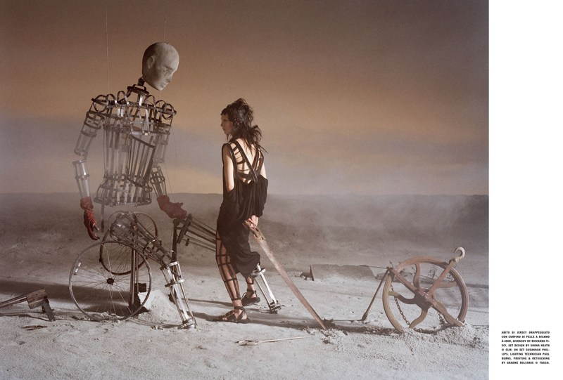 'Like a Warrior' Mariacarla Boscono-Tim Walker-Vogue Italia-6.jpg