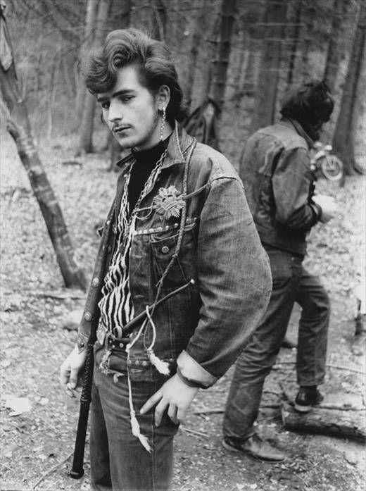 Karlheinz Weinberger-Lone Star Camp, Gossau ZH, 1967.jpg