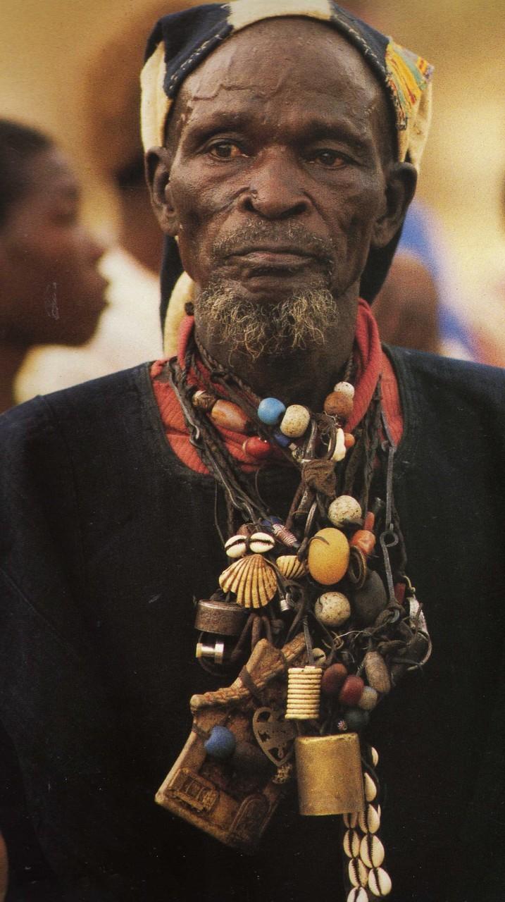 Dogon Shaman, Mail