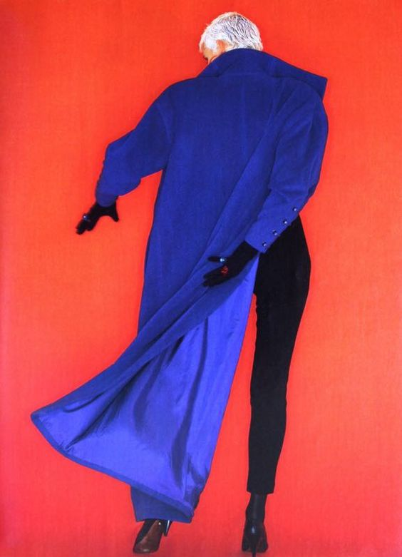 Long royal blue coat by Claude Montana, photo Oliviero Toscani, ELLE (France) September 1986.jpg